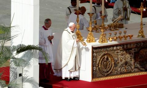 Igreja Católica não pode abençoar uniões homossexuais, afirma Vaticano