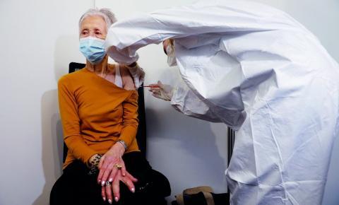 Número de portugueses com uma dose da vacina Covid-19 deve chegar a um milhão nos próximos dias