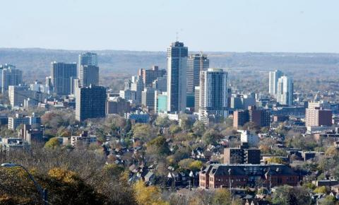 Ontário move duas regiões para novos níveis na estrutura de covid-19