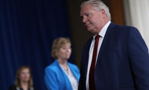 Ford pede que 'aliados internacionais' enviem vacinas contra a Covid-19 para Ontário