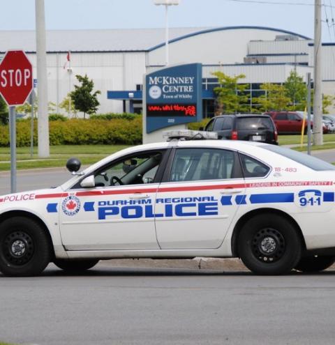 Policial de Toronto flagrado em ato indecente em Whitby é afastado do trabalho
